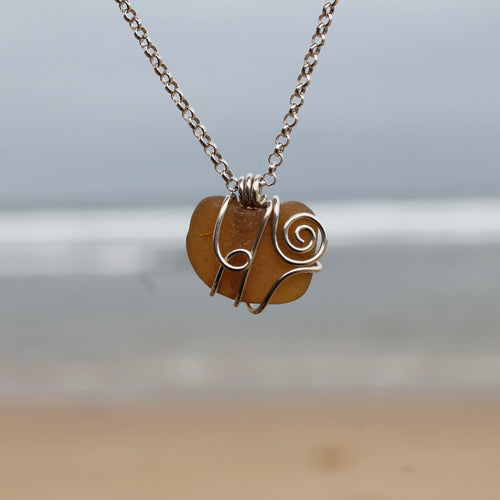 Seaglass swirl Necklace (Fishermans Beach, VIC) 45cm chain