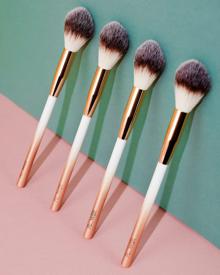 Blush Precision Brush-Lifestyle 2