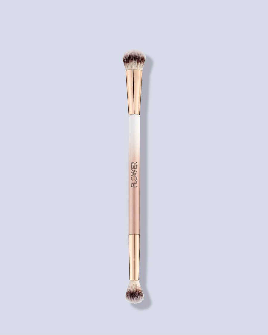 Eyeshadow Shade & Blend Brush