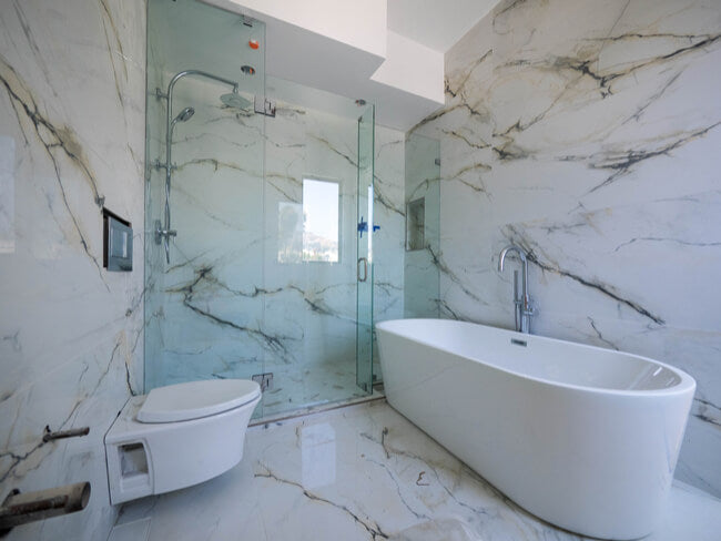 Pros and Cons: Bathtubs vs. Shower Enclosures