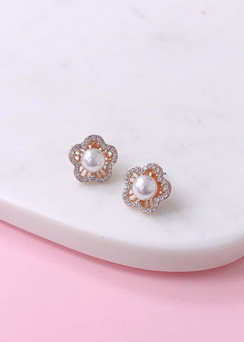 Rosegold Pearl Stud Earrings