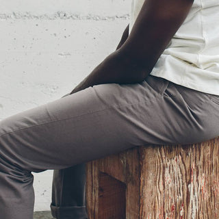 The Slim Chino in Ash
