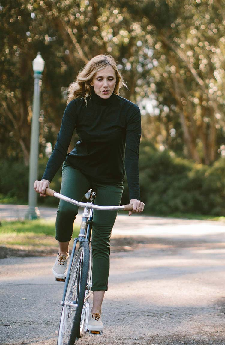 The Mercerized Merino Turtle Neck in Heather Black