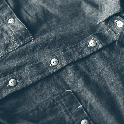 The California in Charcoal Everyday Chambray: Alternate Image 6