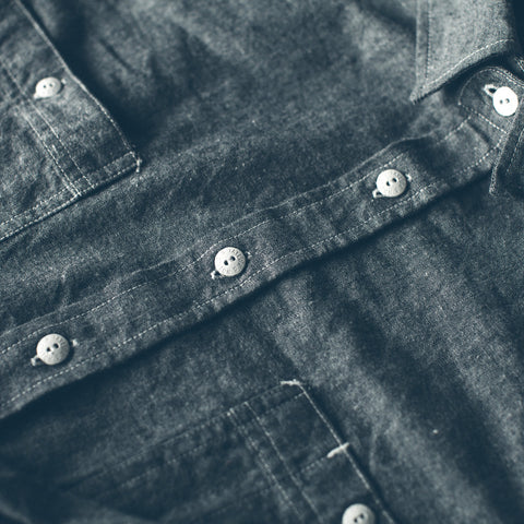 The California in Charcoal Everyday Chambray - alternate view