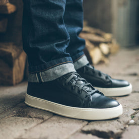 The Court Classic Mid in Black Leather: Alternate Image 4