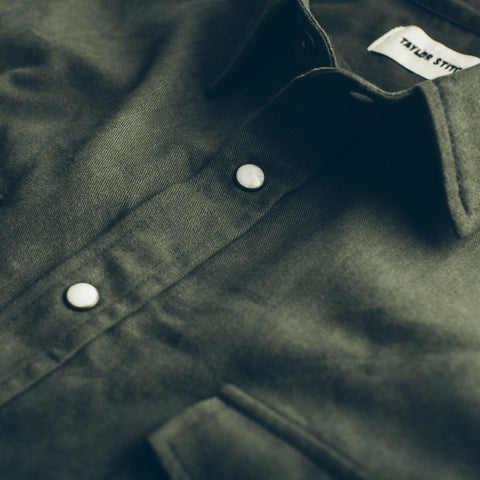 The Glacier Shirt in Olive Twill - alternate view
