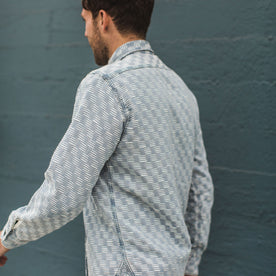 The Utility Shirt in Washed Indigo Jacquard: Alternate Image 4