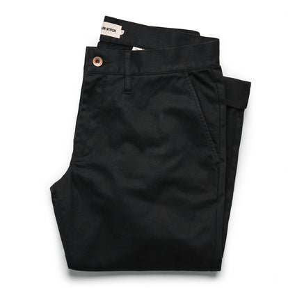 The Slim Chino in Organic Coal