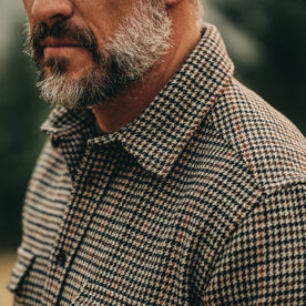 our fit model wearing The Leeward Shirt in Houndstooth closeup showcasing the collar