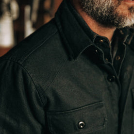 fit model wearing The Lined Shop Shirt in Coal Boss Duck, chest detail