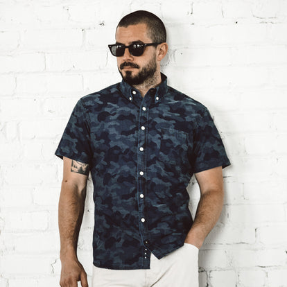 The Short Sleeve Jack in Indigo Jacquard Camo: Alternate Image 4