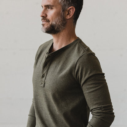 The Heavy Bag Henley in Fatigue Green: Alternate Image 2
