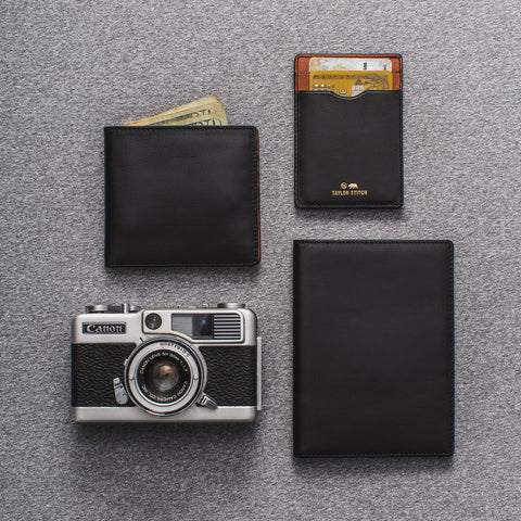 The Minimalist Wallet in Black - alternate view