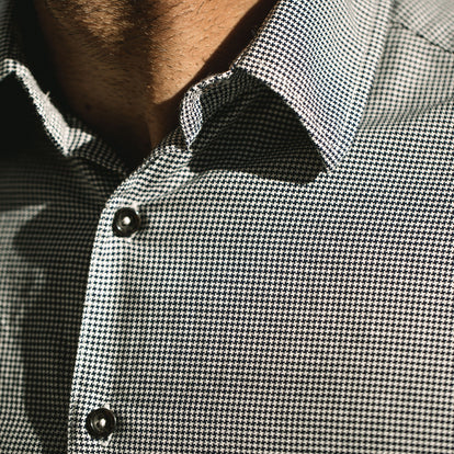The Hyde in Mini Houndstooth on our fit model.
