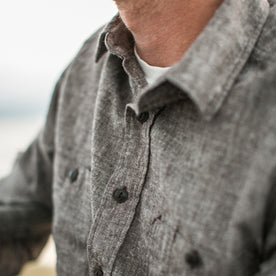 The California in Brown Hemp Chambray: Alternate Image 4