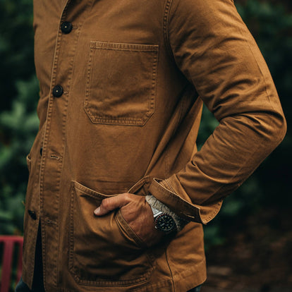 our fit model wearing The Ojai Jacket in Tobacco