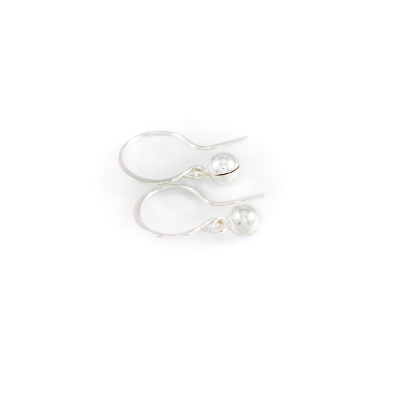 Simple song earrings