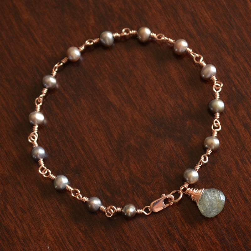 Peacock Pearl Bracelet with Labradorite in Rose Gold