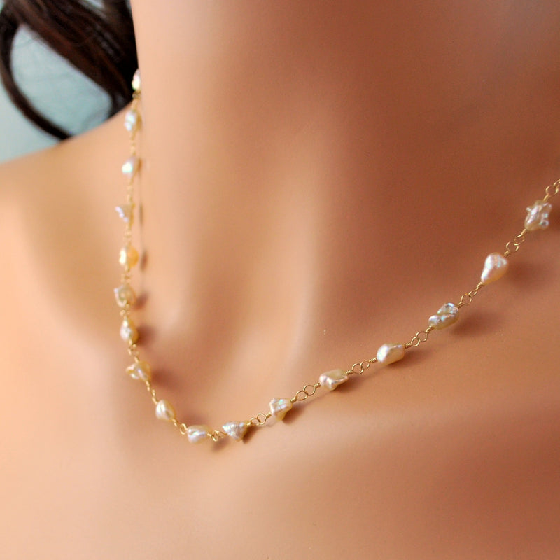Peacock Pearl Choker Necklace
