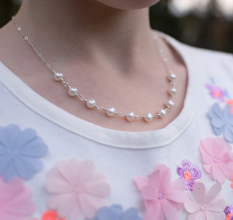 Elegant White Pearl Necklace for Girls