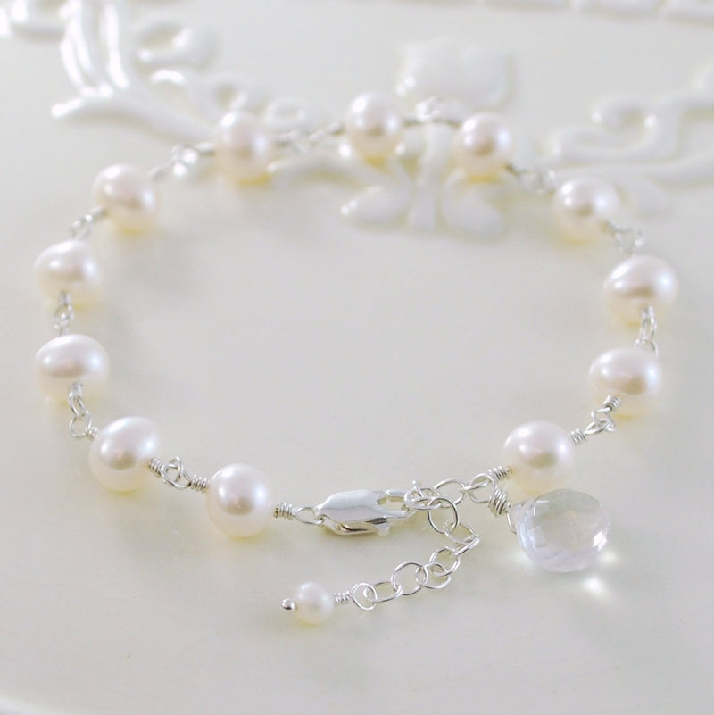White Freshwater Pearl Bracelet with Crystal Quartz