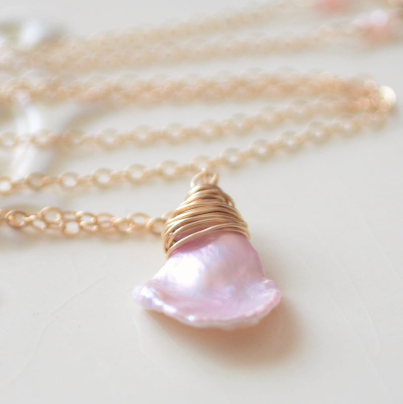 Pink Pearl Necklace with a Keishi Pearl Pendant