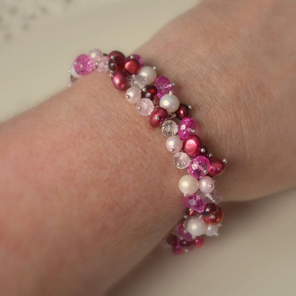 Valentines Day Cluster Bracelet - Lots of Love