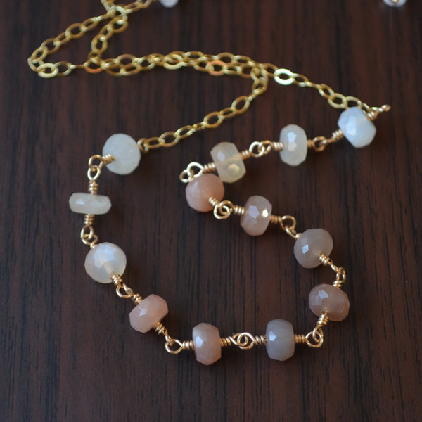 Peach Moonstone Choker Necklace in Gold