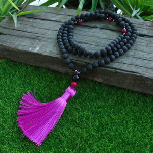 Collier Mala Traditionnel - Pierre de Lave Volcanique & Pompon Violet - MALA