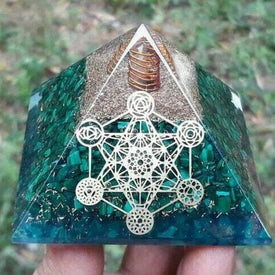 Orgonite MALACHITE Pyramide Energétique - Sceau Metatron - Orgonite