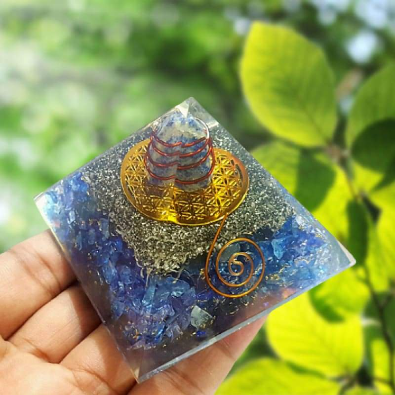 Orgonite Pyramide Energétique REIKI- Sodalite - Guidance - Orgonite