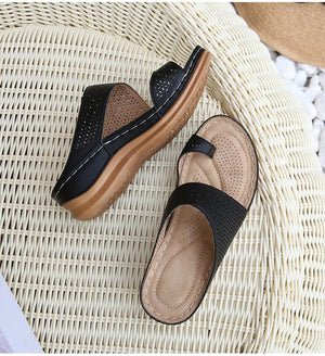 [HOT SALE] Ladies with hollowed-out toe wedge slippers [Limited time offer: Pay 2 Get 3]