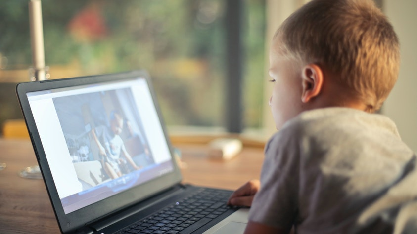 6 Things Your Kids NEED To Know About Internet Safety! boy video