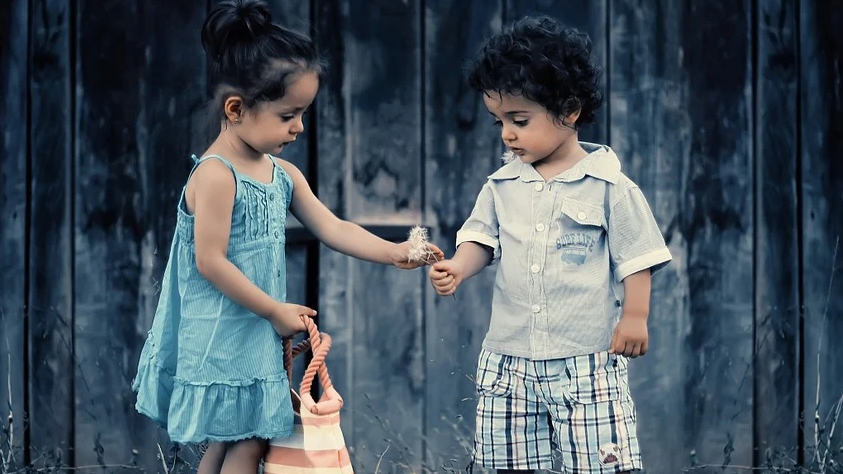 Should You Parent Girls and Boys Differently? children siblings