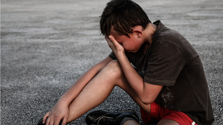 10 Tips To Ensure Your Child Will Become A Nice Person crying boy