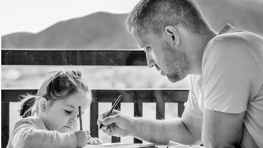 10 Tips To Ensure Your Child Will Become A Nice Person daughter coloring