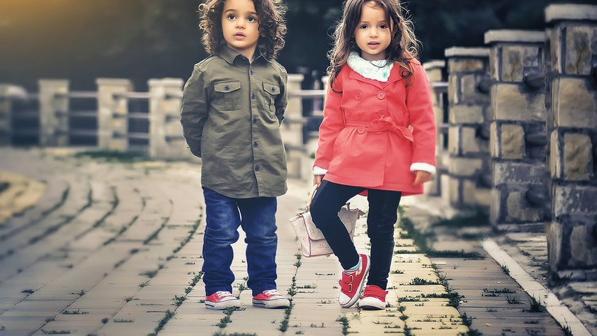 Birth Order and What It Means for Your Kids twins