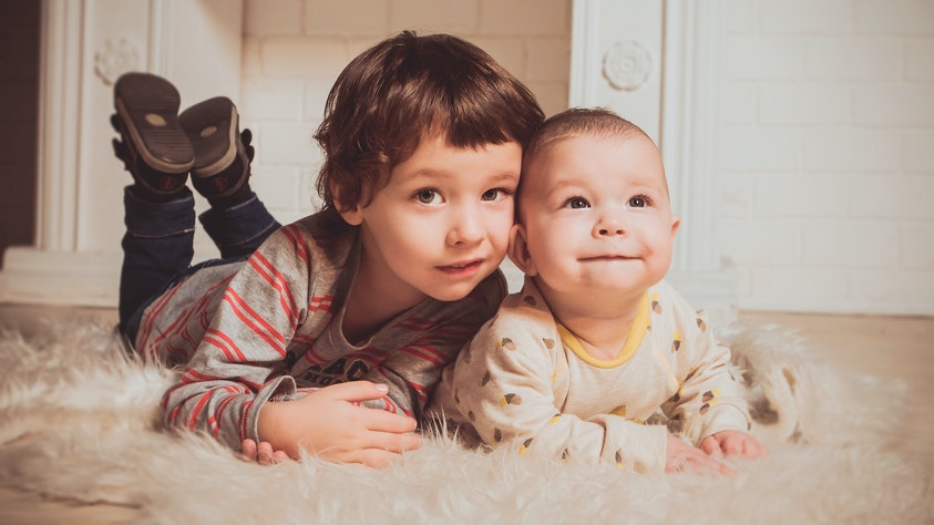Birth Order and What It Means for Your Kids oldest and youngest
