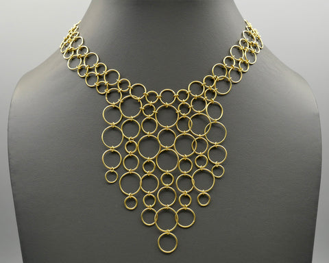 Circle Bib in 18k Gold