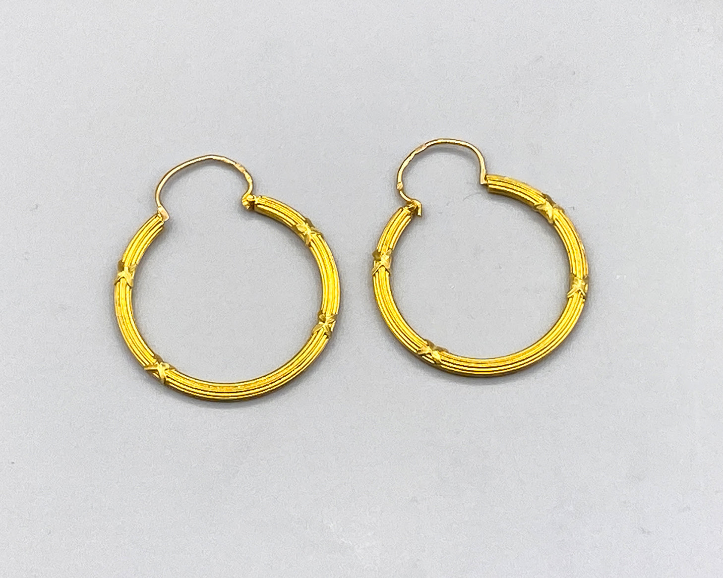 Say It In Gold- Striated Gold Hoops