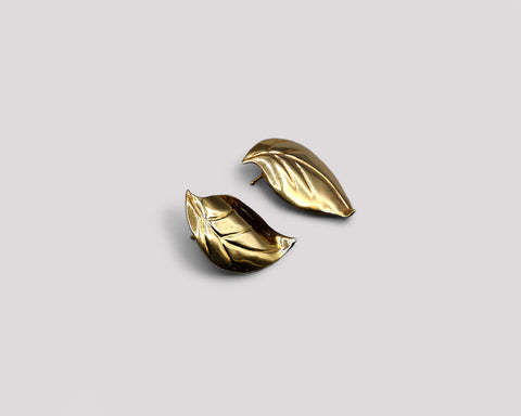Sculpted Small Leaf Stud