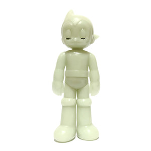 GID PVC Astro Boy (Closed eye)