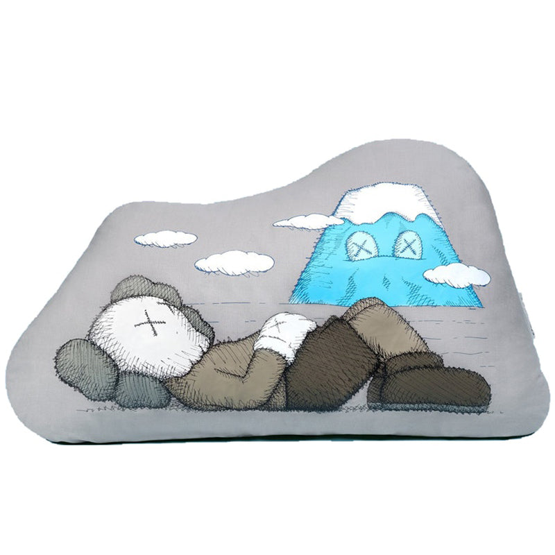 KAWS : HOLIDAY JAPAN CUSHION