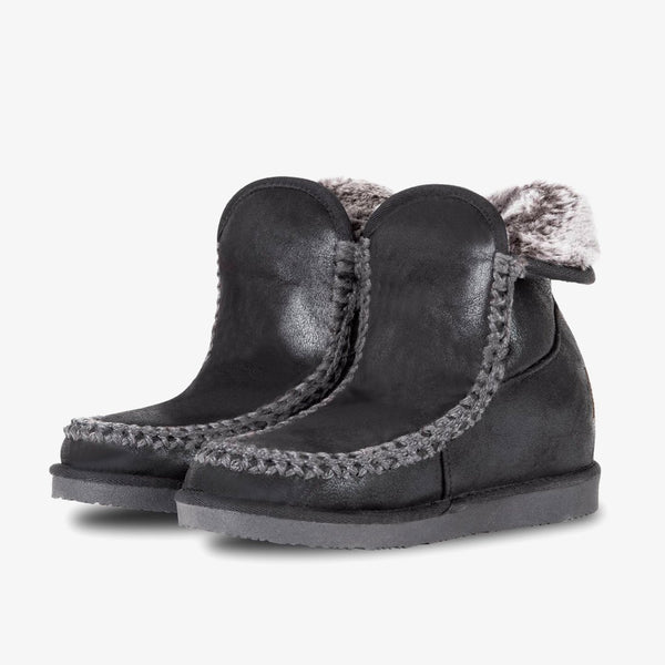 Nanuk Wedge Black