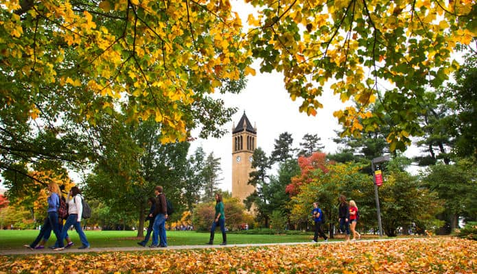 How to Stay Safe and Alert on College Campuses