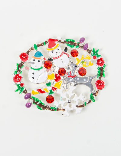 Brooch | Christmas Wreath Scene