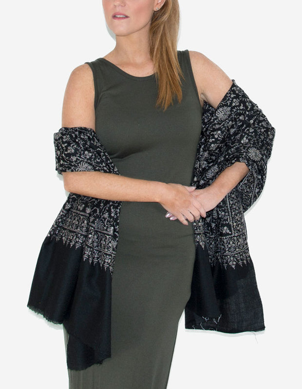 Image showing a Cashmere Scarf Black Jaalidar