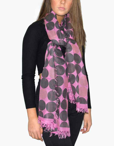 an image showing a pink and black scarf