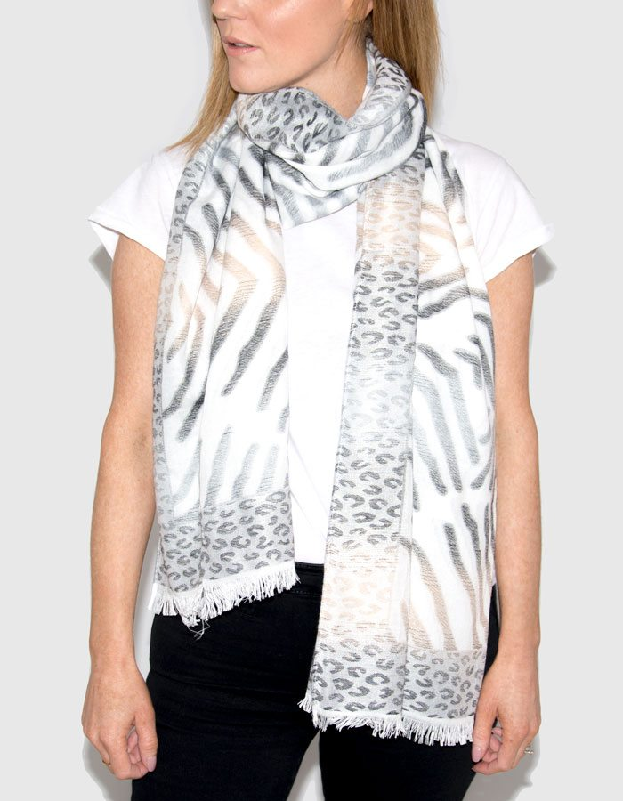 Image Showing Geometric Printed Scarf